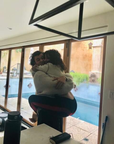 Encore un peu d'amour : les chanteurs Shawn Mendes et Camila Cabello, toujours aussi amoureux.