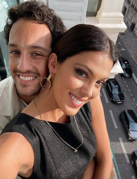 Selfie en couple pour Iris Mittenaere et Diego El Glaoui.