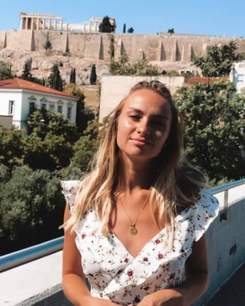 Elle a notamment fait des stages en communication à Barcelone, en Italie et même en Australie