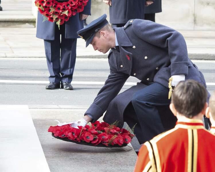 Le prince William dépose une gerbe en l'honneur des britanniques morts pendant les deux guerres mondiales