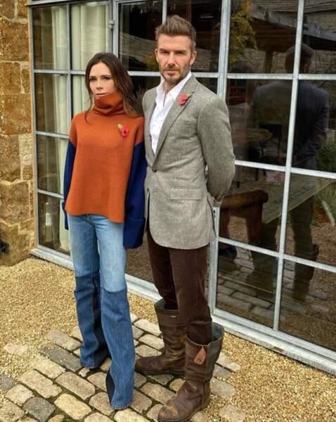 Victoria et David Beckham avaient ajouté des coquelicots à leurs tenues pour le Jour du Souvenir, en hommage aux vétérans de la Première Guerre Mondiale.