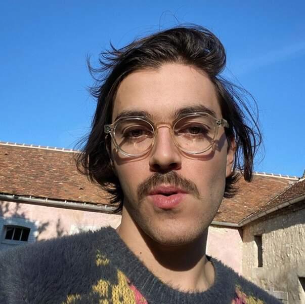 Belle moustache du côté de Panayotis Pascot.