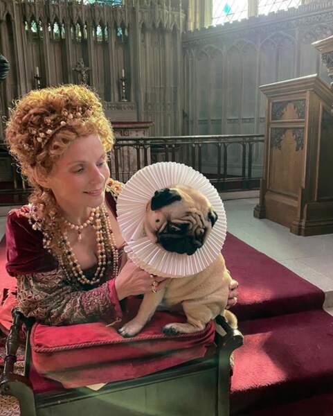 Perruque de reine pour Geri Halliwell, costume inclus.
