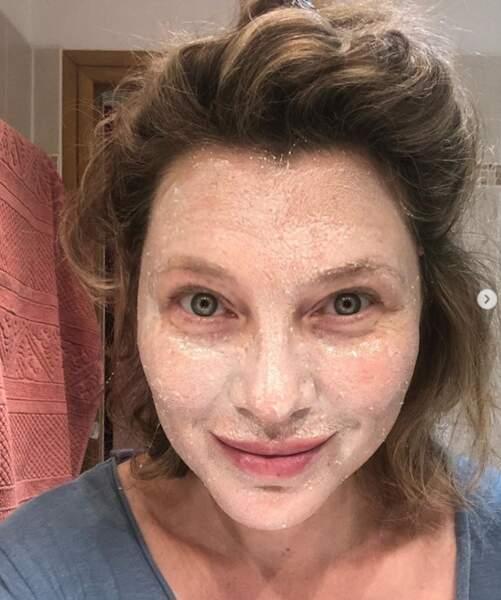 Cécile Bois a pris soin de sa peau.