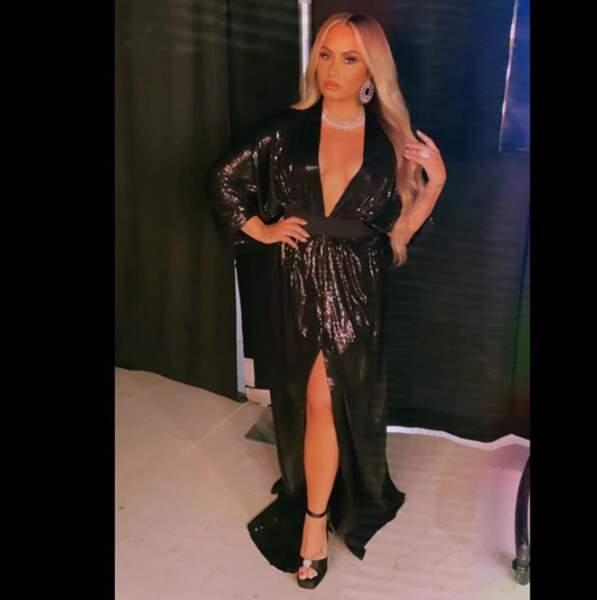 Demi Lovato au blond.