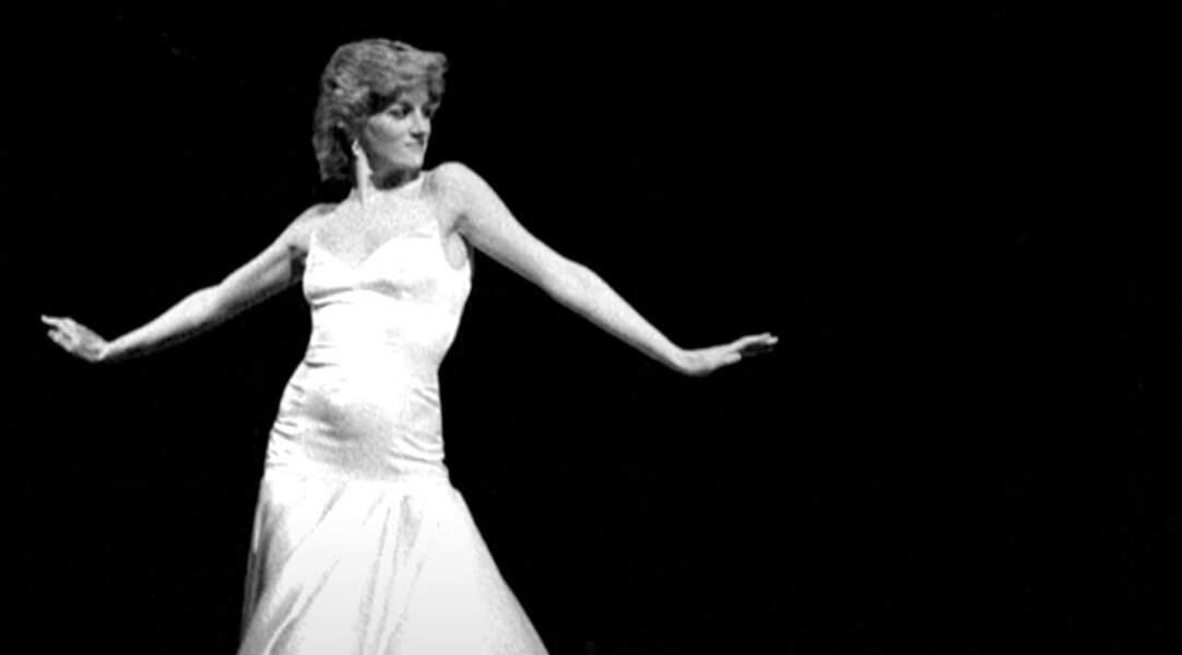 Diana se produit sur la scène du Royal Opera House pour faire une surprise à Charles.