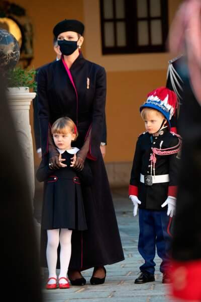 La princesse Charlène toujours très tendres avec ses jumeaux