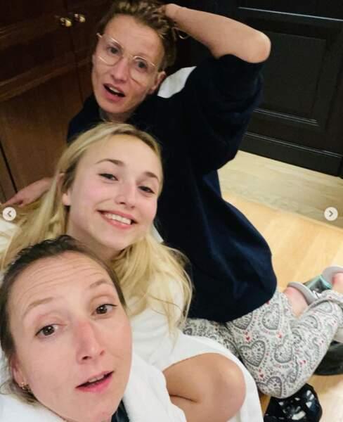 Chloé Jouannet était bien entourée de sa mère Alexandra et de sa tante Audrey Lamy.
