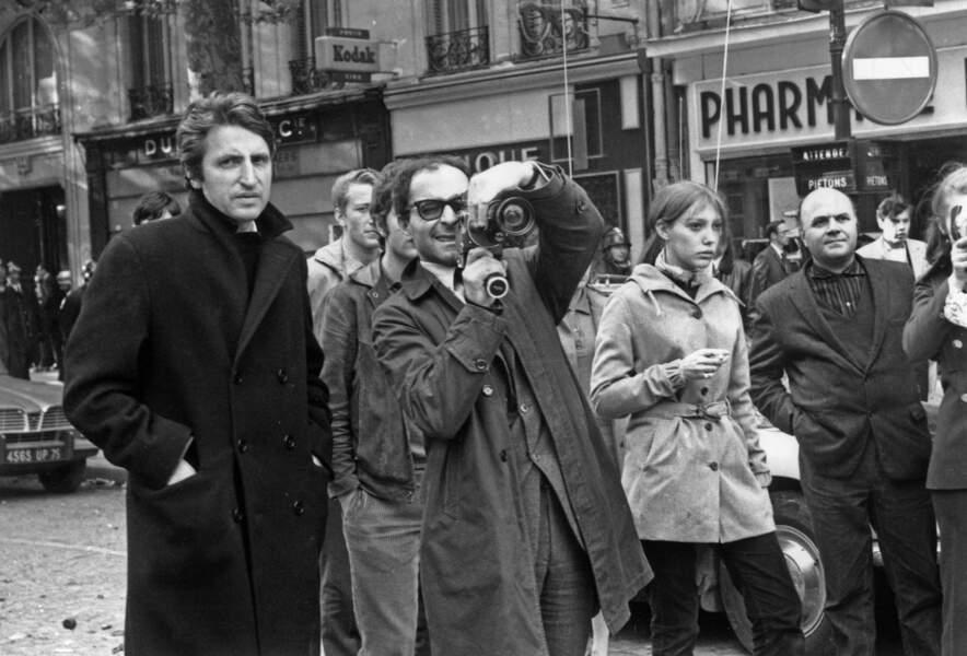 Jean-Luc Godard filme les manifestations étudiantes le 7 mai 1968 à Paris.