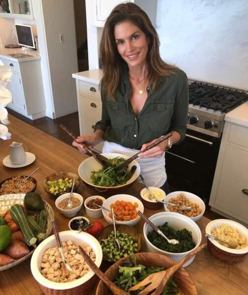 Après le festin de Thanksgiving, c'est régime détox chez Cindy Crawford.