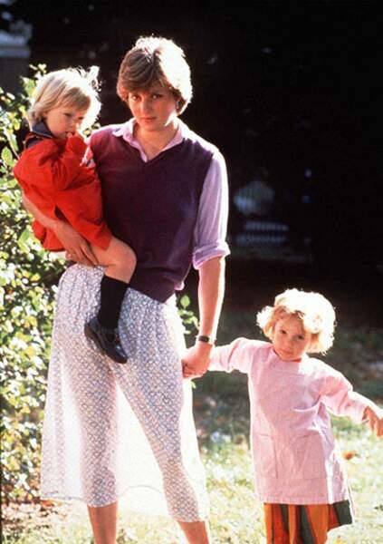 En septembre 1980, Diana, alors assistante maternelle, crée l'émoi sans le vouloir avec cette photo où l'on aperçoit ses jambes alors qu'un rayon de soleil rend sa jupe fleurie transparente.