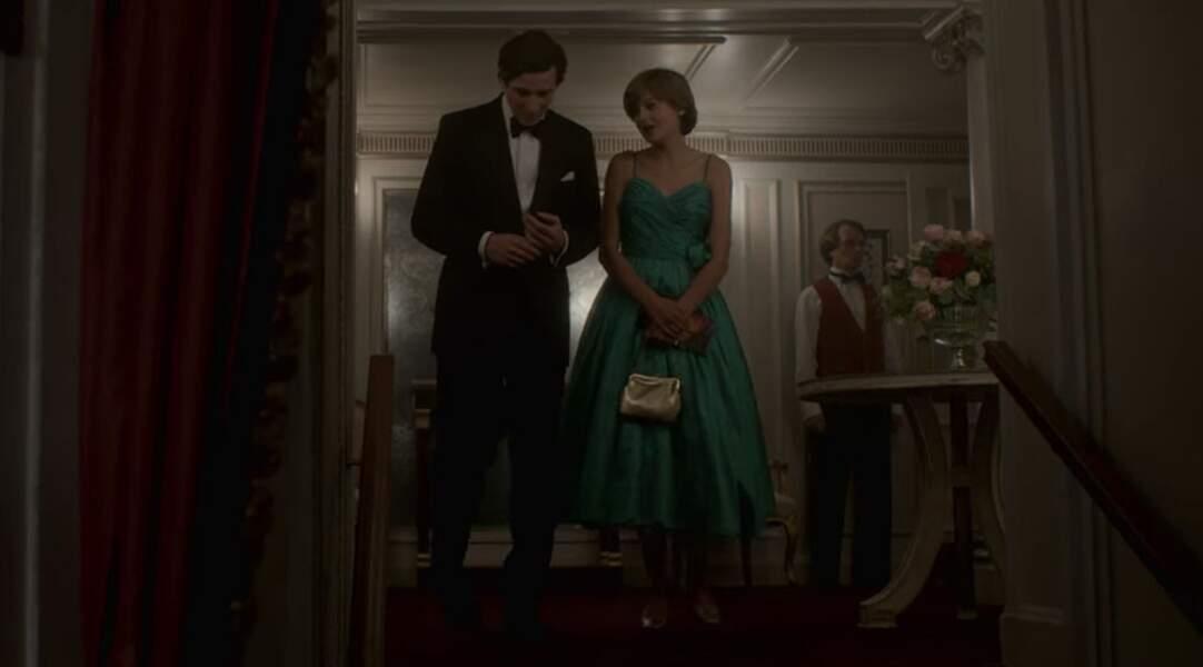 C'est également en vert que dans la série Charles et Diana ont leur premier rendez-vous à l'opéra couvés par leur chaperon.