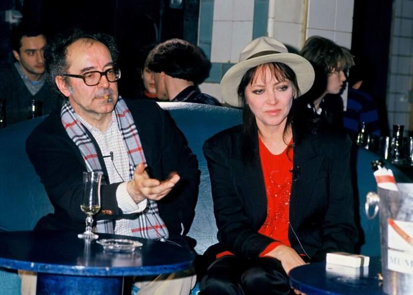 """Les émouvantes retrouvailles de Jean-Luc Godard et Anna Karina sur le plateau de l'émission """"Bains de minuit"""" de Thierry Ardisson (1987)"""