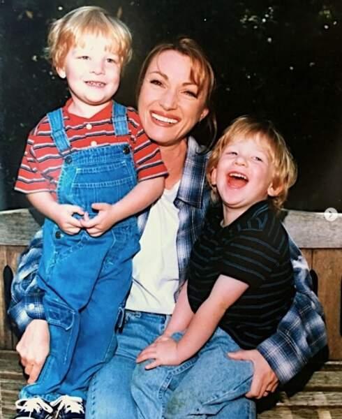 Retour dans le passé également pour Jane Seymour, maman des jumeaux Kris et Johnny.