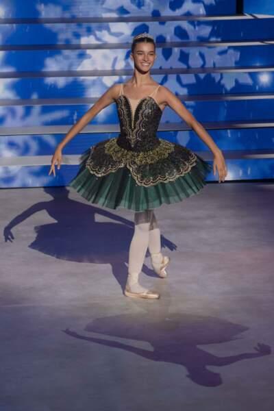 Pénélope, 16 ans, danse