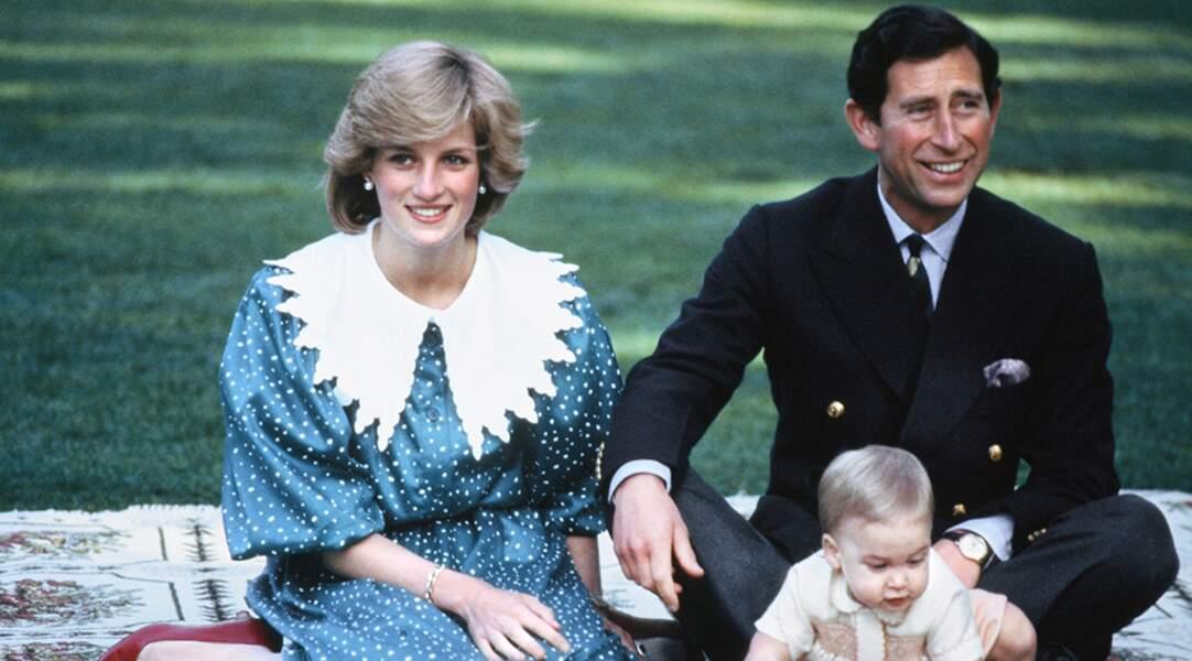 Maman poule, Diana a insisté pour emmener son fils lors de sa première tournée. Le couple pose pour les photographe et conquièrent le cœur des Australiens.
