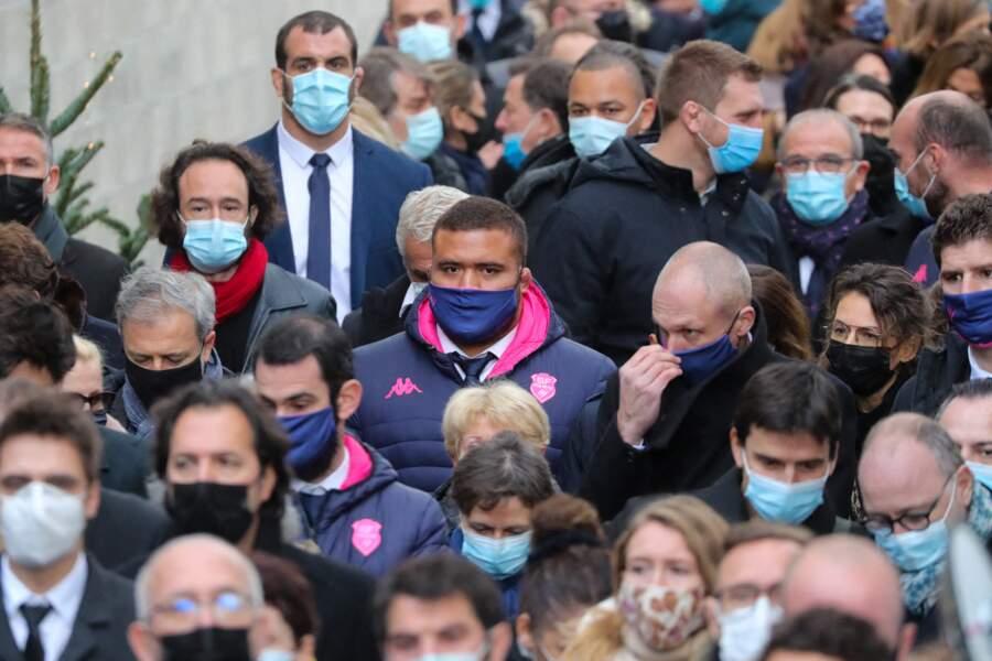 Mercredi, de nombreuses personnalités du rugby lui avaient déjà rendu hommage à Paris