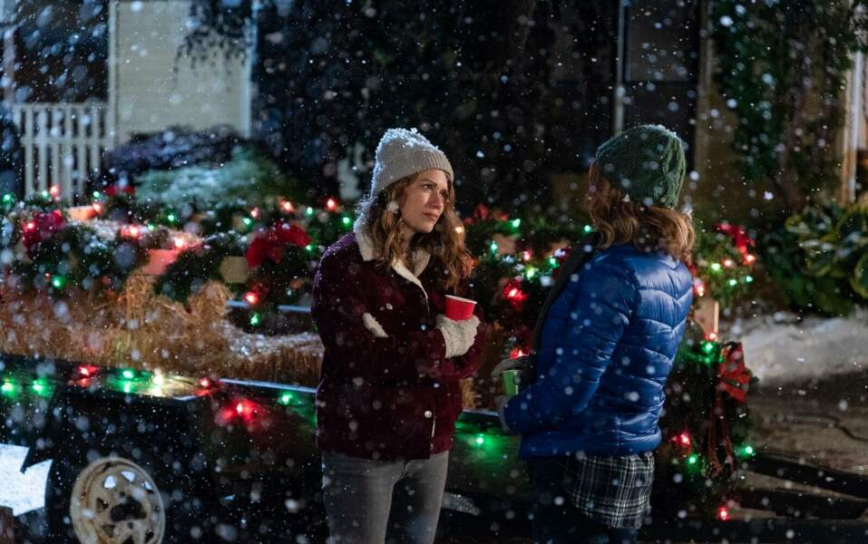 Noël lui va si bien, ici dans Un Noël rouge comme l'amour
