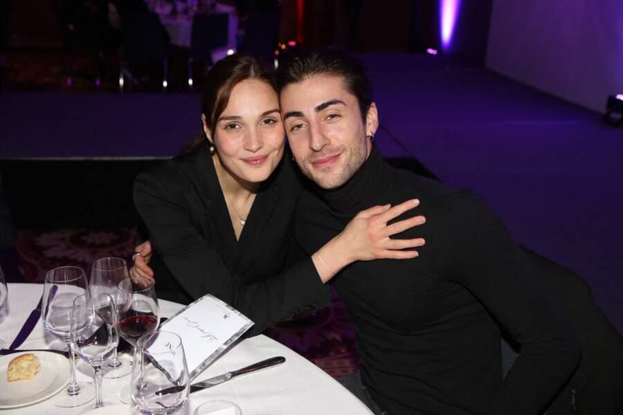 Camille Lou & Gabriele Beddoni Clap de fin pour Camille et son beau danseur italien, l'actrice est désormais célibataire.