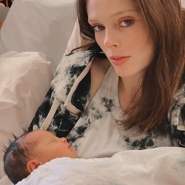 C'est par ce tendre cliché que la top model Coco Rocha à annoncer la naissance de sa petite fille prénommé Iley le 25 novembre