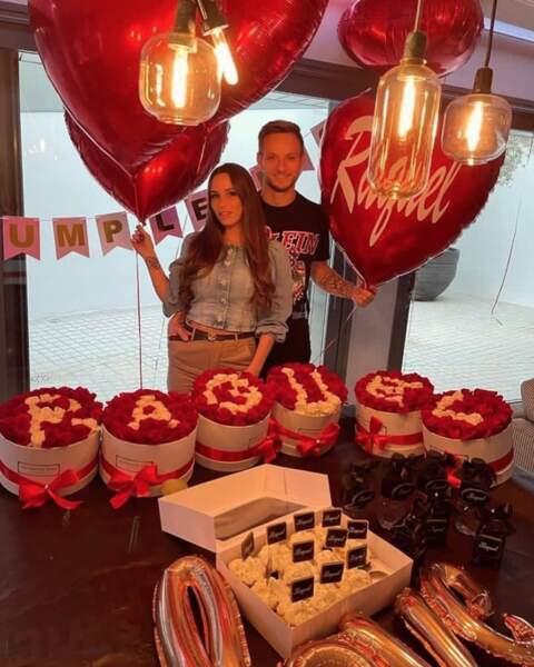 Le footballeur Ivan Rakitic avait vu les choses en grand pour l'anniversaire de sa belle Raquel.