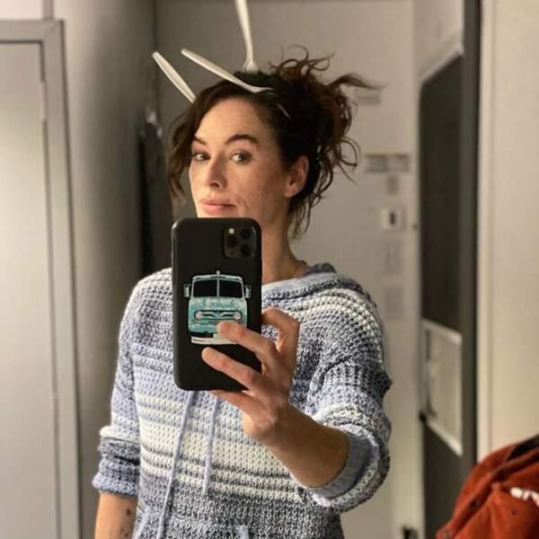 Point mode et beauté : Lena Headey a tenté les fourchettes dans les cheveux mais c'est quand même moins classes que les baguettes.