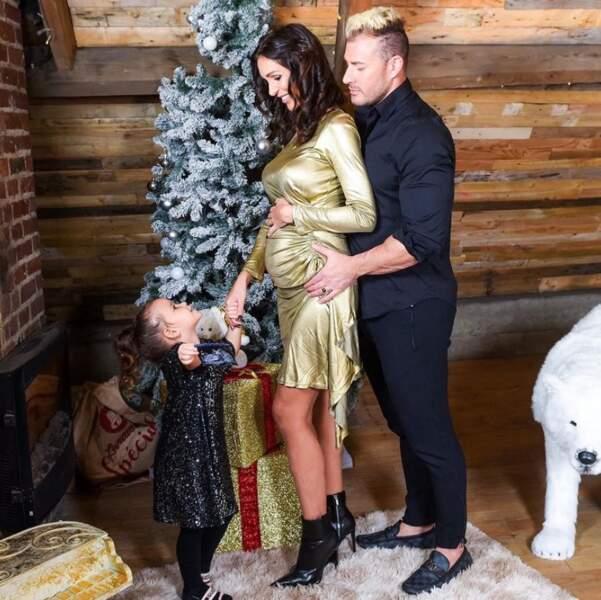 Julia Paredes est enceinte de son deuxième enfant.