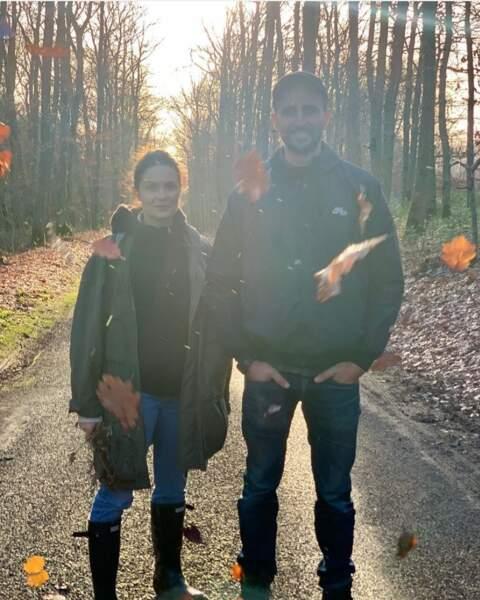 Les amoureux Barbara Schulz et Arié Elmaleh en forêt.