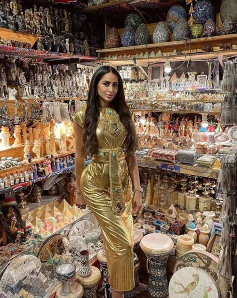 Marine El Himer sublime en reine d'Égypte