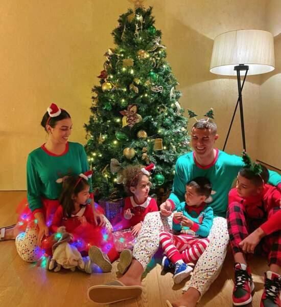 Cristiano Ronaldo avec Georgina Rodríguez et ses quatre enfants