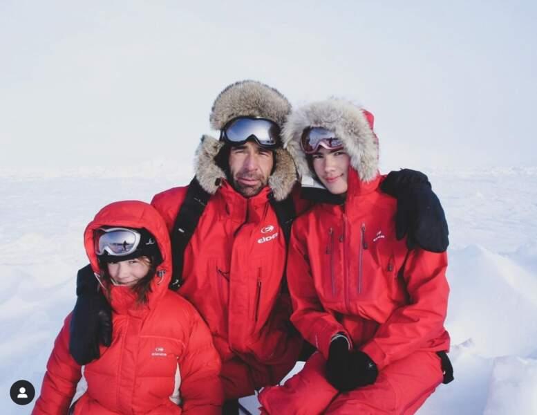 Mike Horn, qui passe Noël 2020 avec ses filles Annika et Jessica, a partagé une vieille photo de la famille en pleine expédition