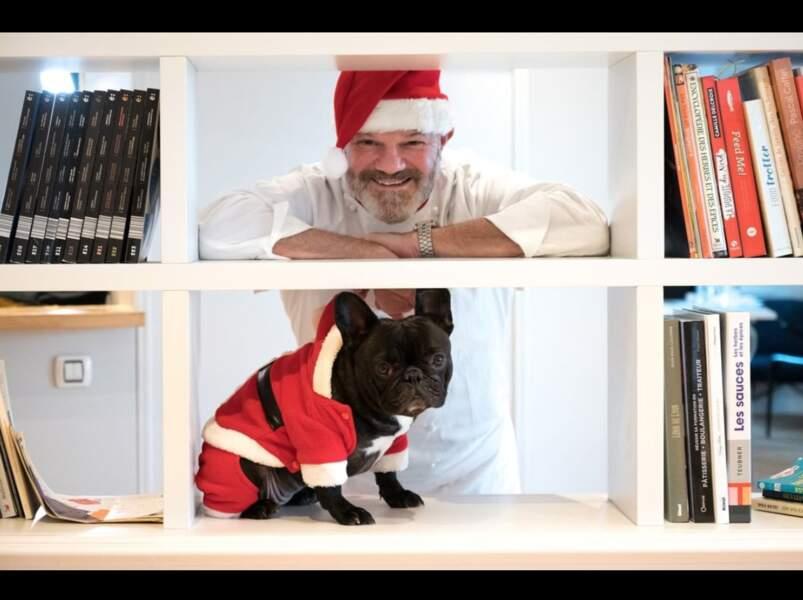 Comme chaque année, Philippe Etchebest a adressé ses vœux en posant avec son chien