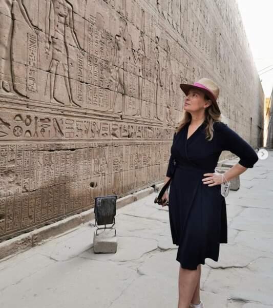 Bon, c'est pas tout ça mais Valérie Trierweiler nous attend pour déchiffrer quelques hiéroglyphes.