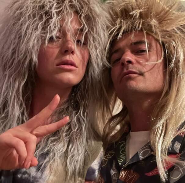 Et Katy Perry et Orlando Bloom s'amusaient comme des petits fous avec leur perruque.