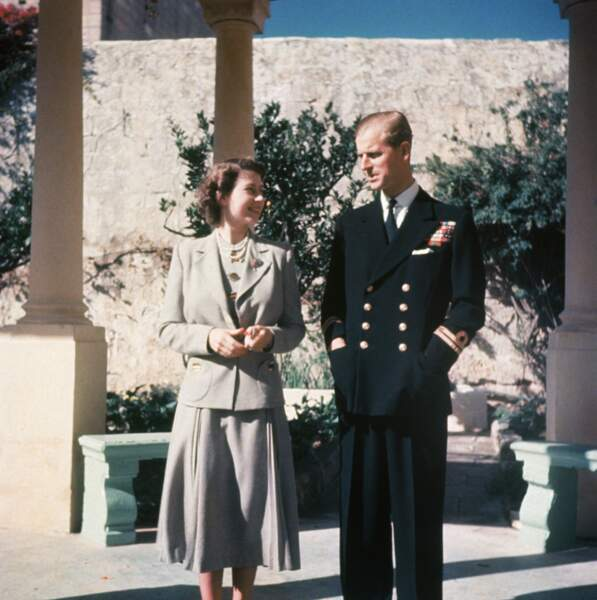 Après leur mariage les jeunes mariés partent se reposer sur l'île de Malte