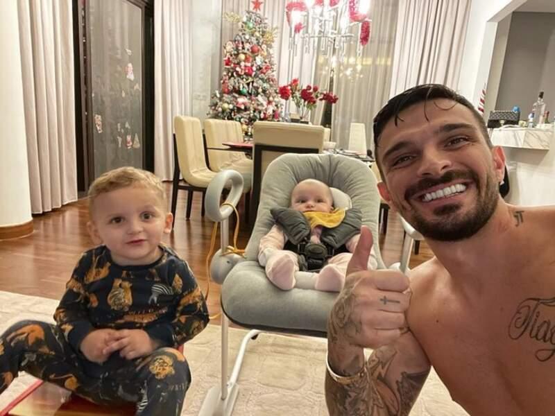 Selfie père, fils et fille pour Julien Tanti.