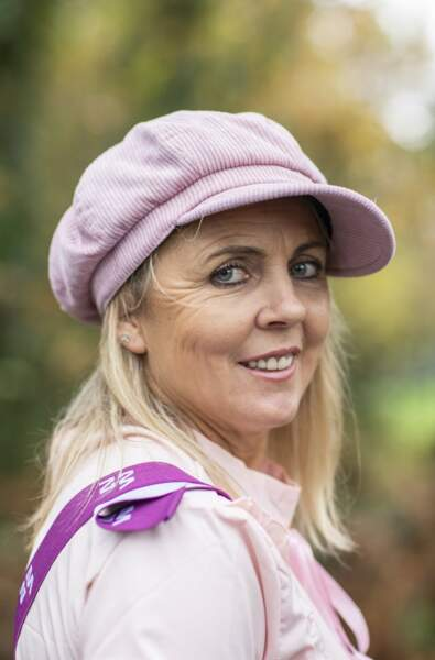 """Nathalie dite """"Nanou"""" a 49 ans et élève des veaux  en région Pays-de-la-Loire"""