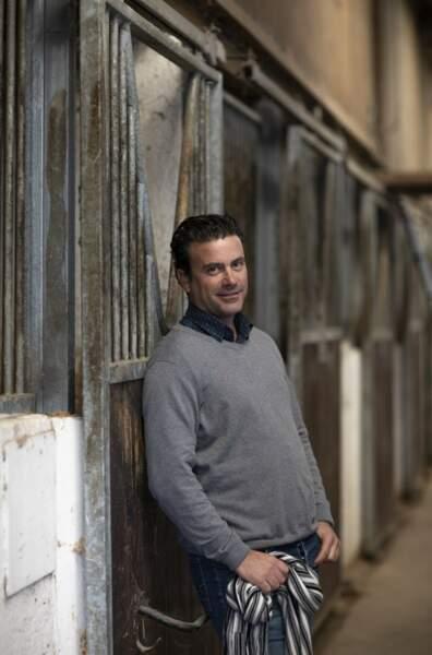 """Vincent dit """"le provençal"""" a 40 ans et est dresseur de chevaux en région PACA"""