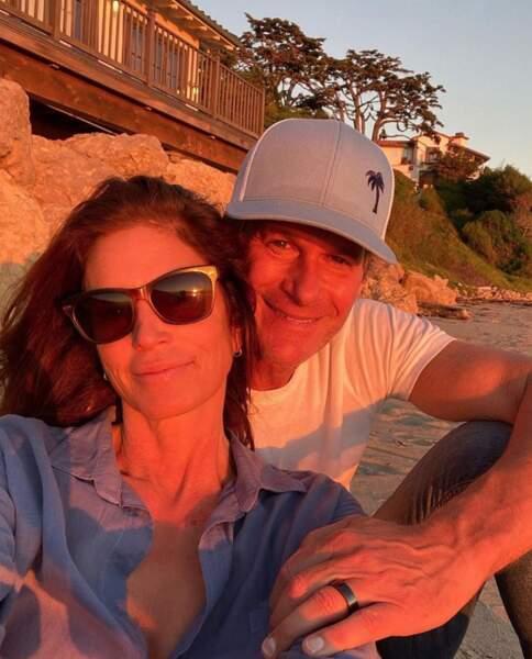 Photo en amoureux en soleil couchant pour Cindy Crawford et son mari Rande.
