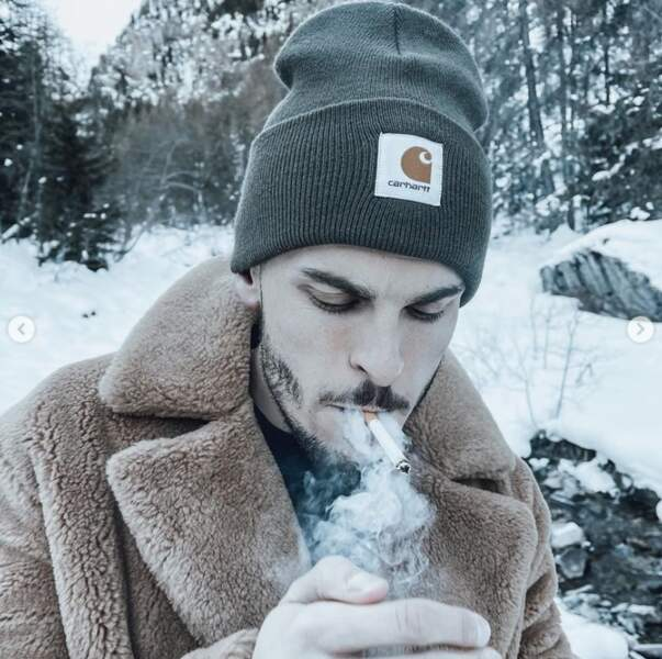 Et Baptiste Giabiconi a allumé une cigarette mais c'était uniquement pour la photo, promis.