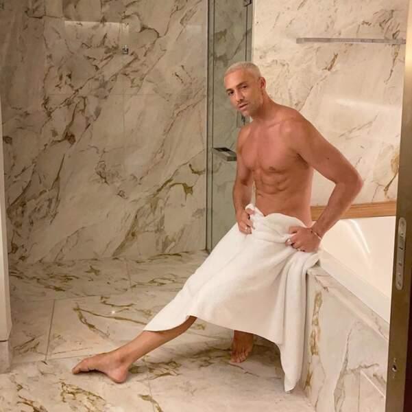 Un peu comme Maxime Dereymez sous sa serviette de bain... Graou !
