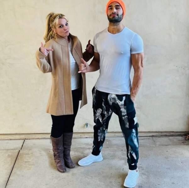 """Pendant ce temps-là, les amoureux Britney Spears et Sam Asghari se la jouaient """"thug life""""."""