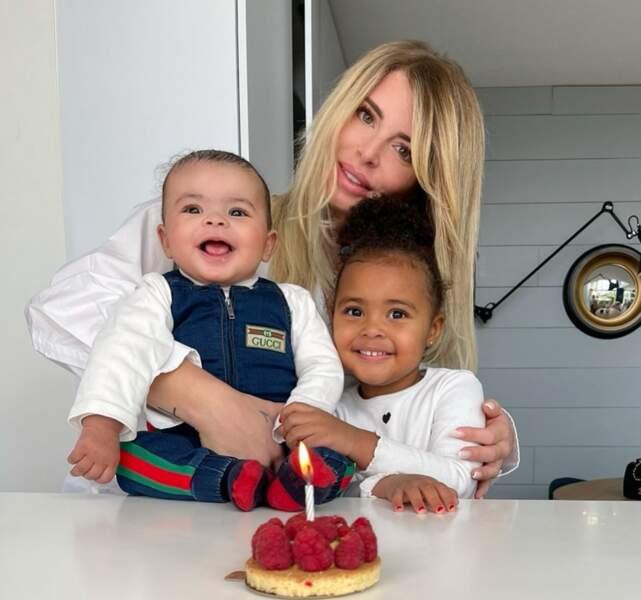 À l'occasion des 5 mois (et un jour !) de Farrell, Émilie Fiorelli dévoile la bouille de son petit ange, posant aux côtés de sa grande sœur Louna !