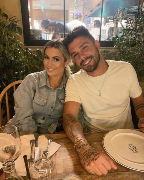 Carla Moreau et Kevin Guedj ont la chance de pouvoir profiter des restos à Dubaï.