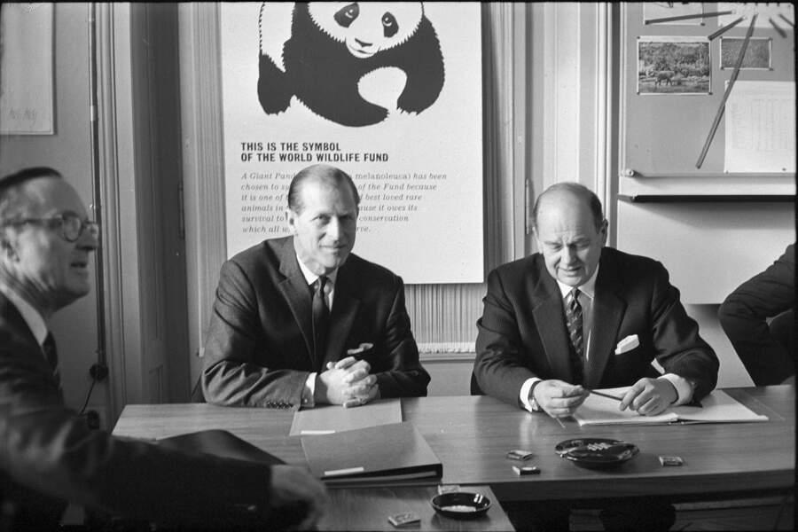 Il présidera cette organisation pour le Royaume Unis de 1961 à 1982 puis deviendra le président  Internationale de 1982 à 1996