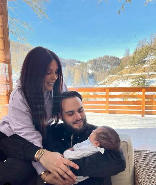 Laura et Nikola, parents du petit Zlatan, passent eux aussi un séjour hivernal à la montagne