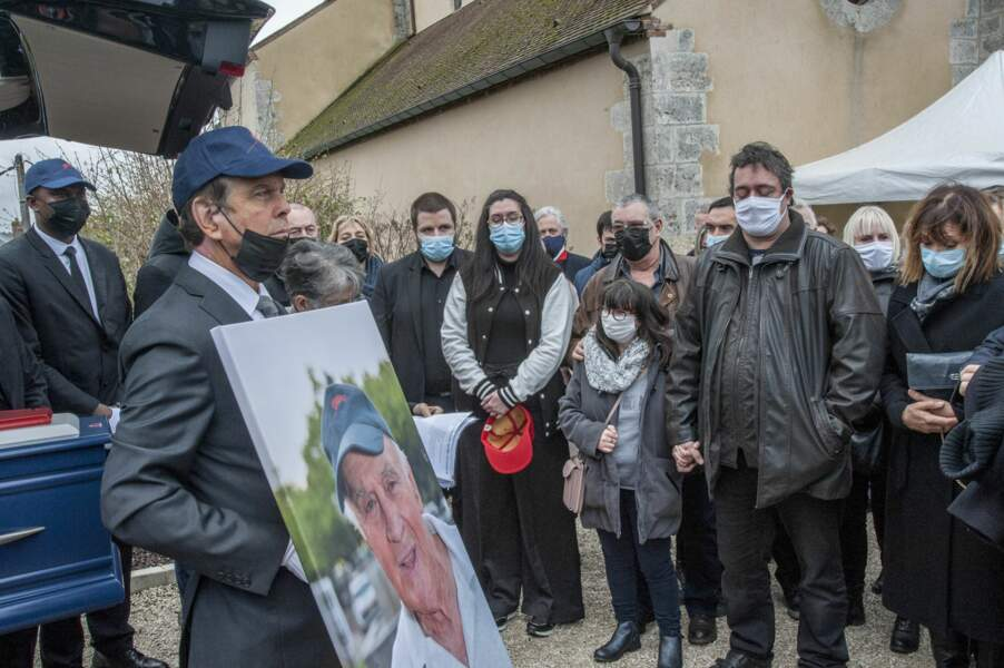 La fille et les fils de Rémy Julienne, sa compagne Justine Poulin et son ami Mario Luraschi