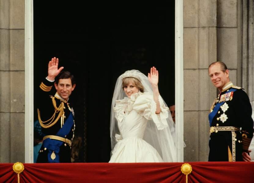 Le prince Philip se sentira dans l'obligation de guider son fils Charles, héritier du trône, dans ses choix sentimentaux. Il n'approuve pas  sa liaison avec Camilla Parker Bowles.C'est ainsi qu'en 1981 il l'encouragera à se marier avec la Princesse Diana, l'épouse parfaite selon lui.