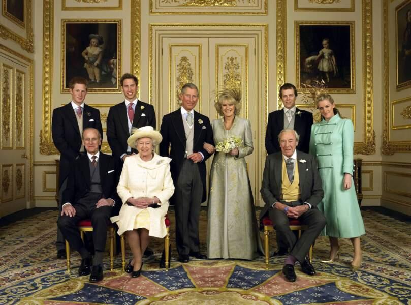 Le prince Philip a toujours su pour la relation secrète de son fils Charles avec Camilla Parker Bowles. Le 9 avril 2005 Charles officialisera enfin cette relation de plus de 40 ans !