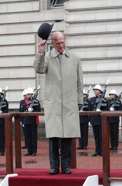 Philip n'apparaîtra plus que très rarement auprès de la reine Elisabeth.